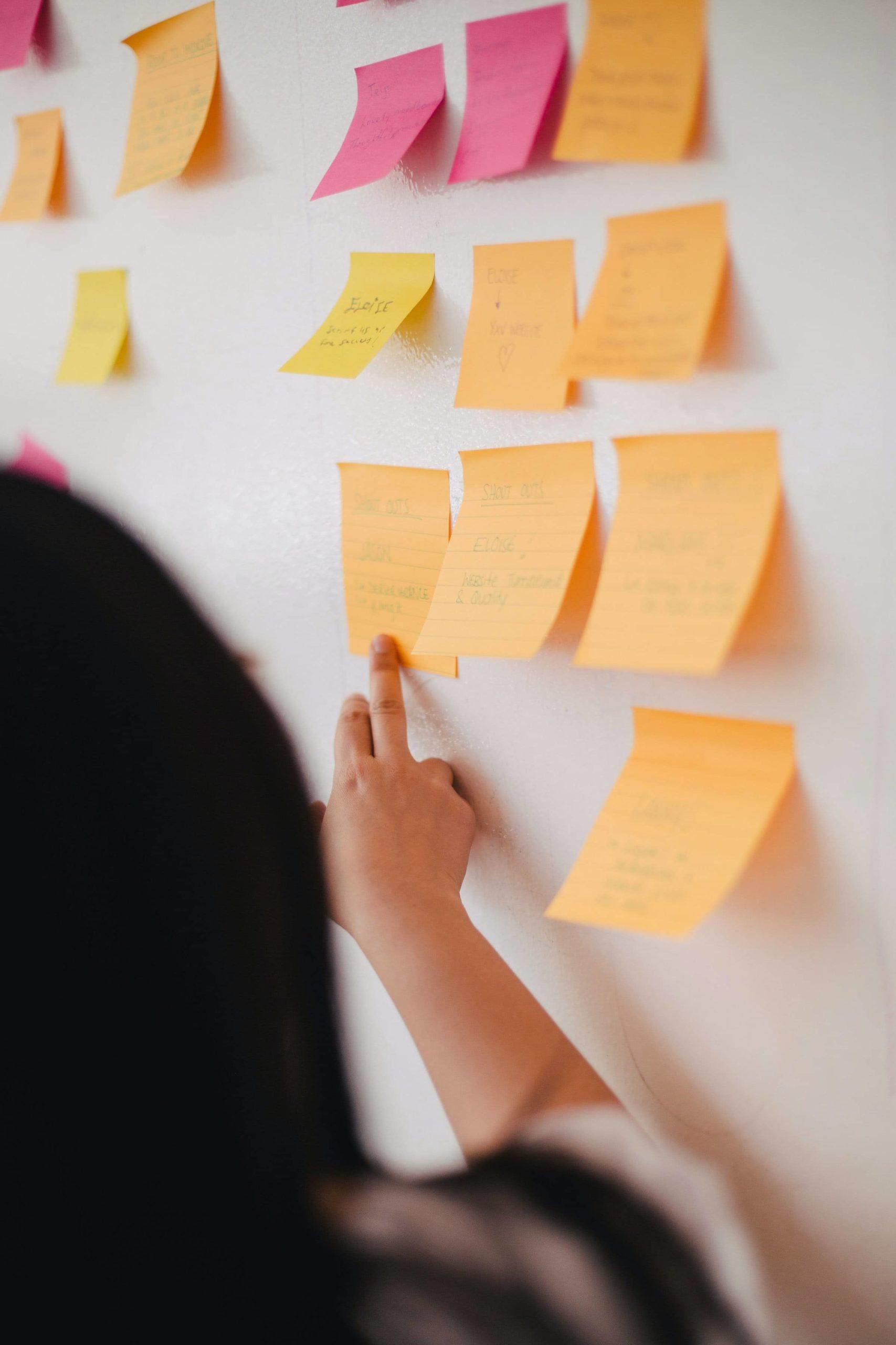 Brainstorming-tableau-avec-idées